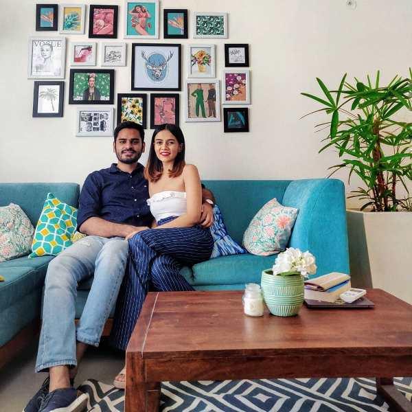 https://i1.wp.com/www.starbio.in/wp-content/uploads/2019/03/Komal-Pandey-with-her-boyfriend.jpg?ssl=1