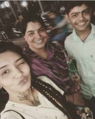 wish rathod with her mother and brother
